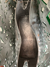 "Load image into Gallery viewer, Leather Tote Bag ""Nota"" by ALLE Cut-Out Tooling Emerald Green and silver background"