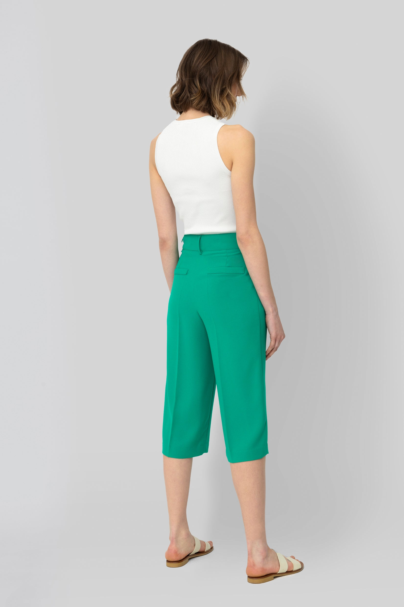 The Emerald Crepe Bermuda