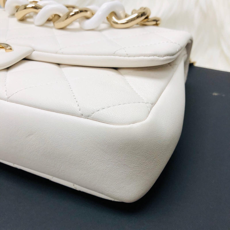 Large Flap in White Quilted Lambskin Leather with Resin Bi-Colour Chain - Bag Religion