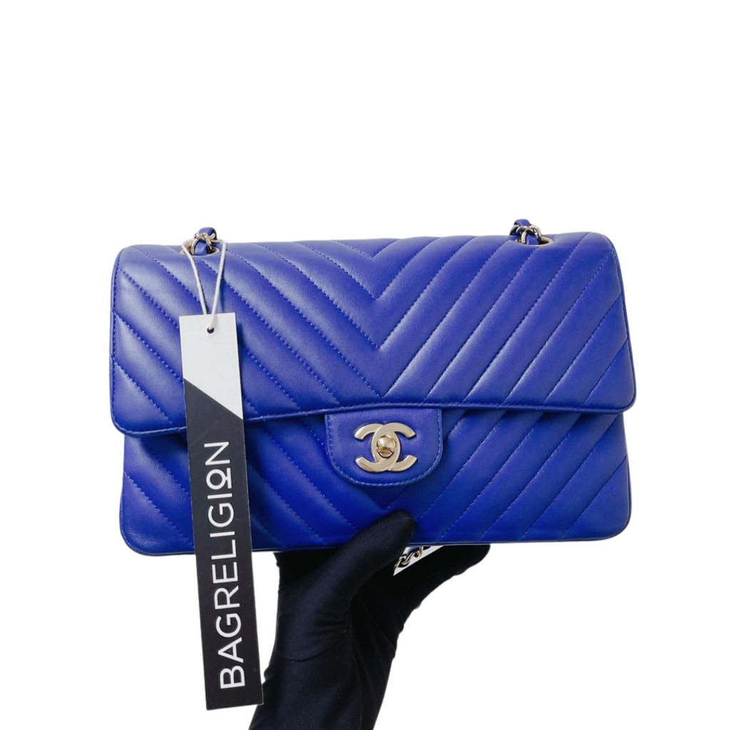 Classic Double Flap M/L Chevron Lambskin Electric Blue with SHW