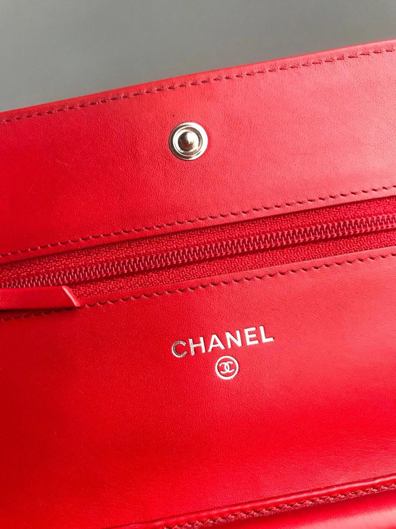 Timeless CC Wallet on Chain in Red Caviar