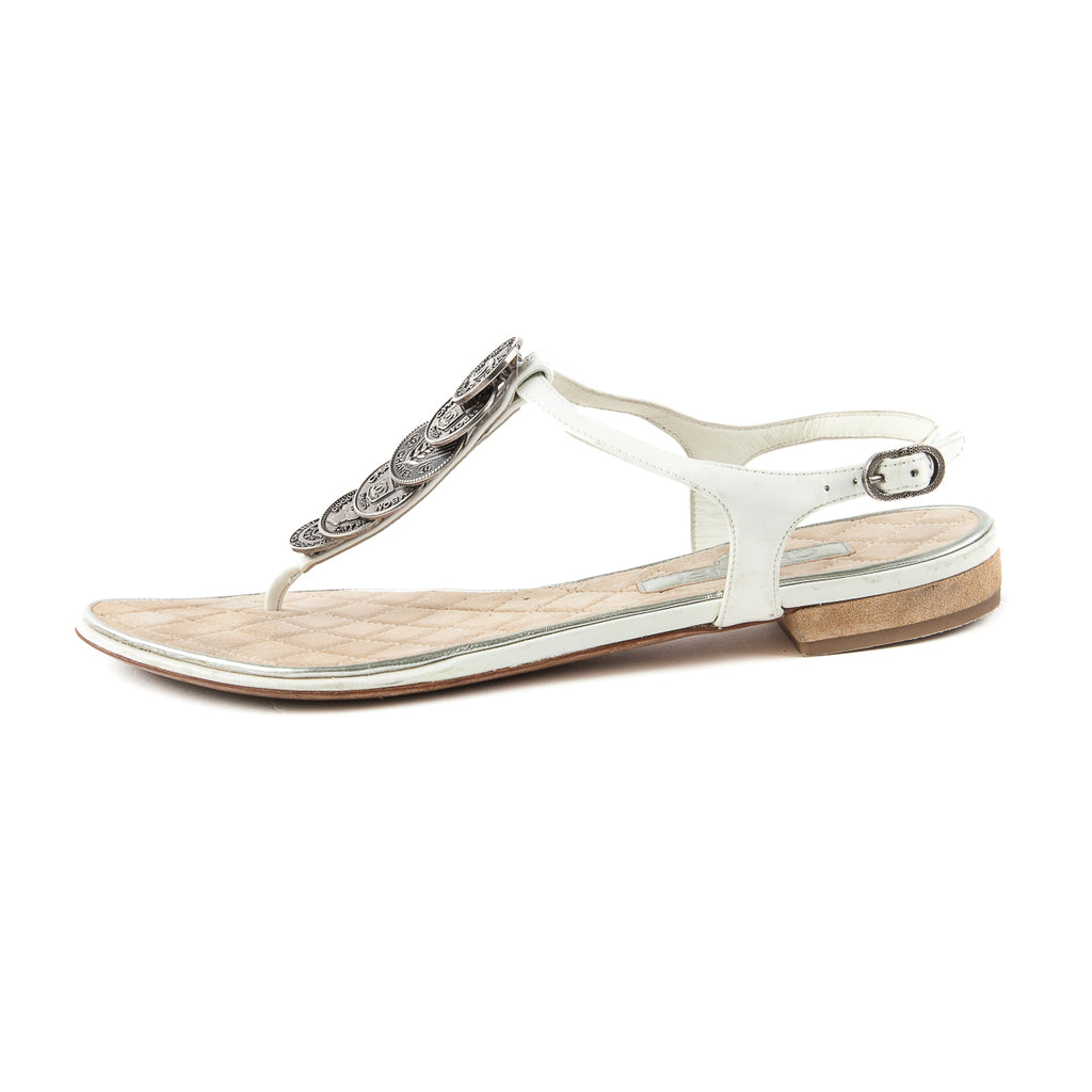 Patent Leather CC Logo Flat Sandals in White - Bag Religion
