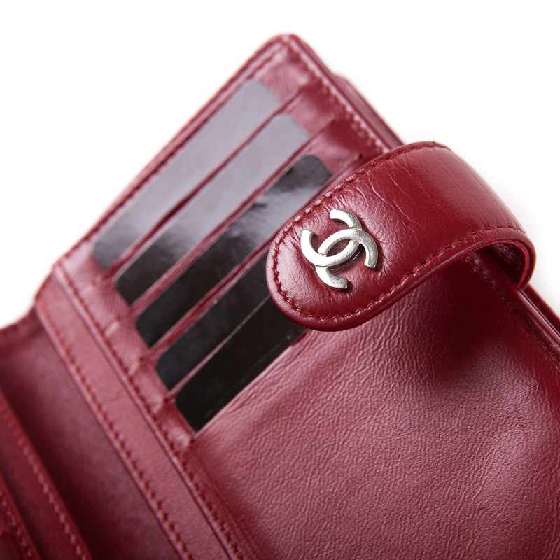 Quilted red lambskin leather wallet - Bag Religion