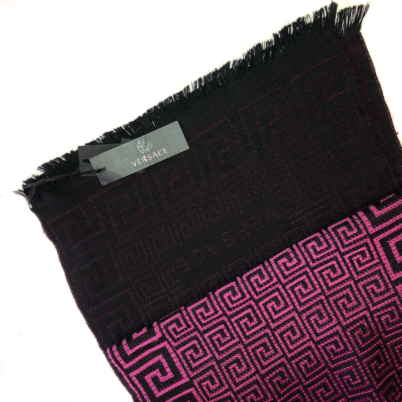 Pure Wool Scarf in Pink Geometric Pattern - Bag Religion