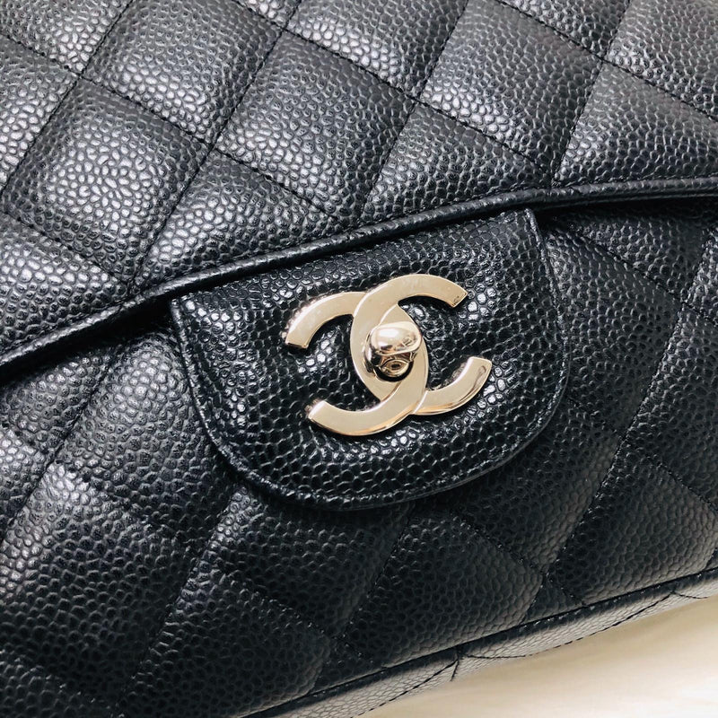 Single Flap Classic Jumbo in Black Caviar with SHW