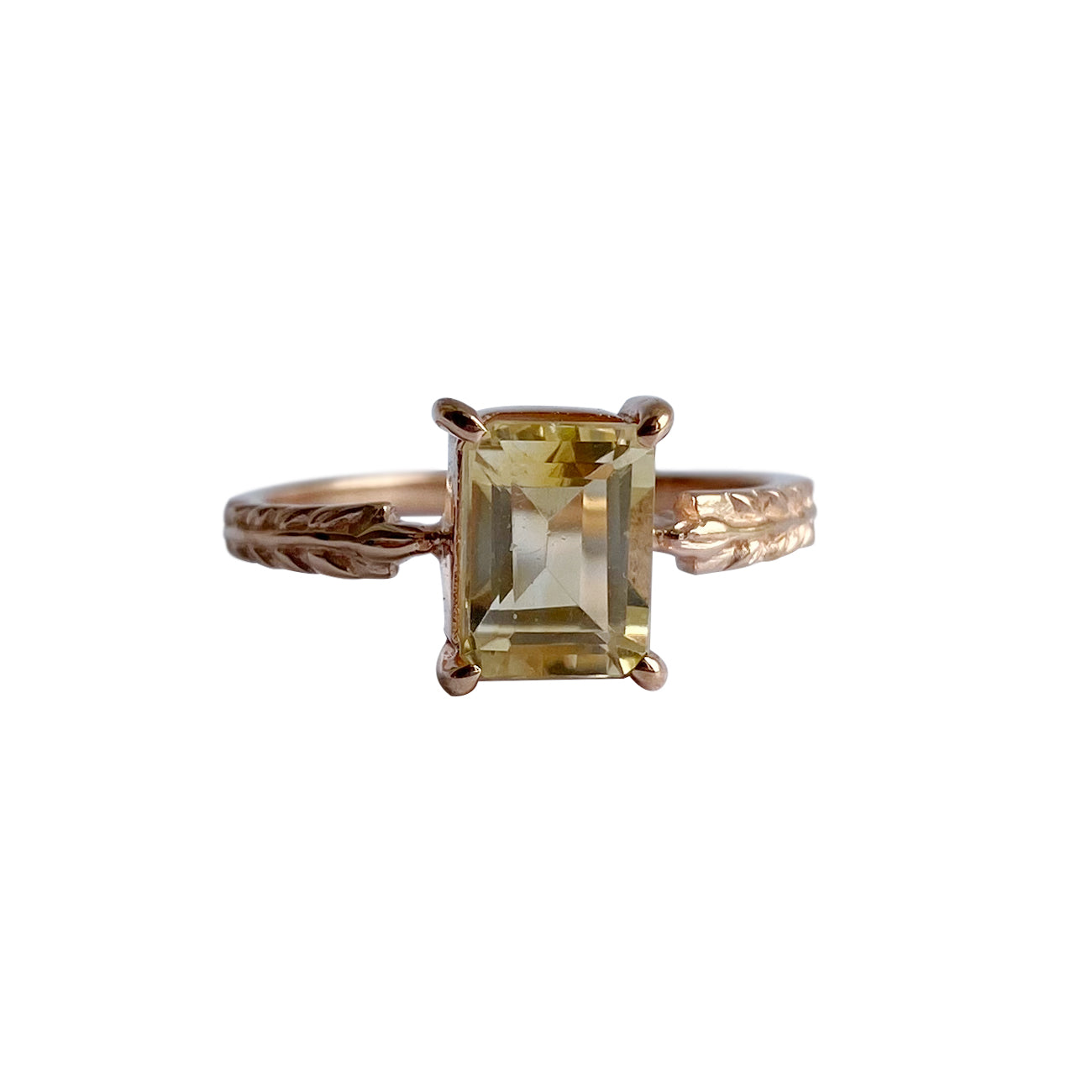 Vernum Solitaire With Rectangle Cut Citrine