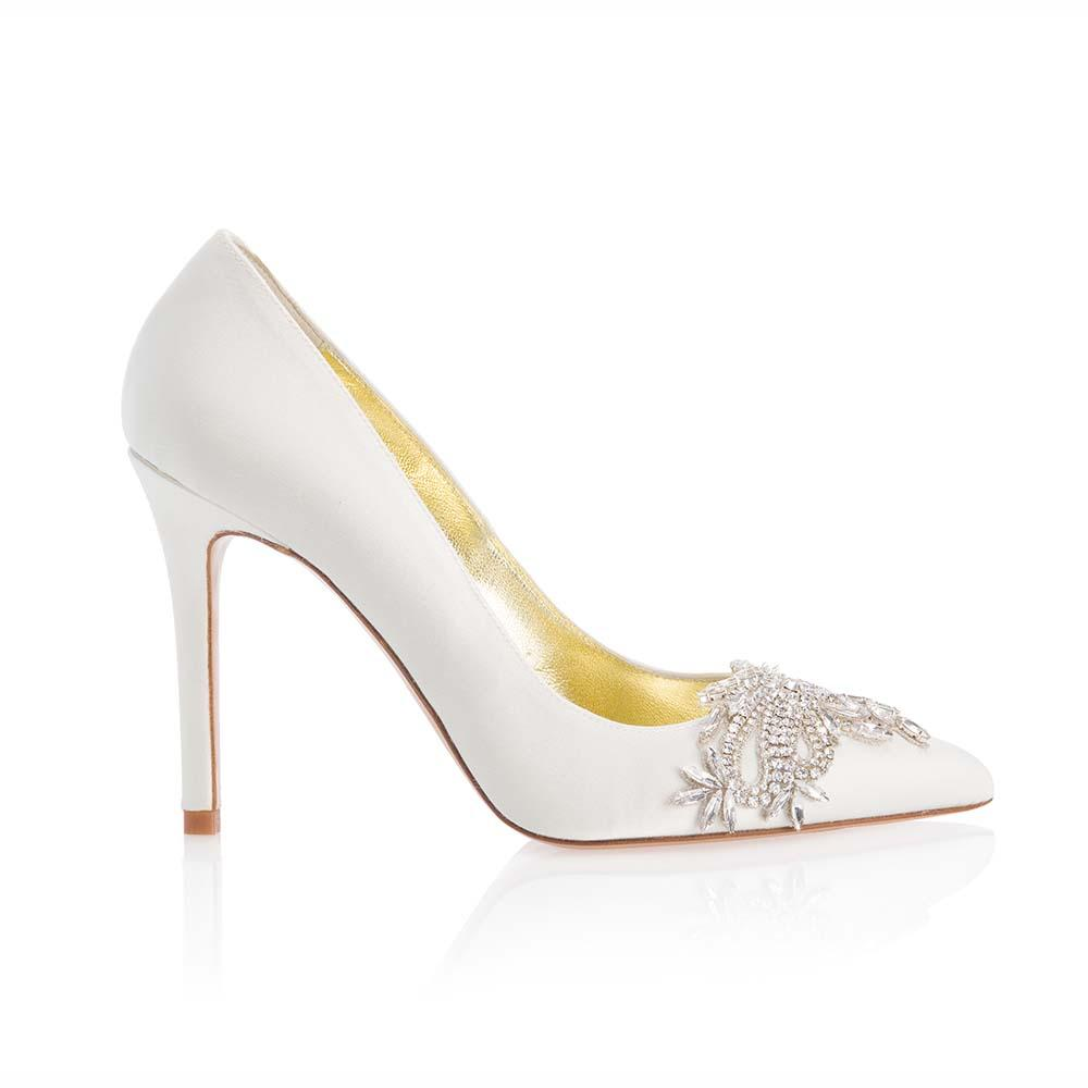 Celina Ivory. Pointed wedding shoe with hand embellished crystals.