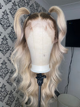 Load image into Gallery viewer, brown roots blonde wig
