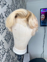 Load image into Gallery viewer, Blonde pixie cut closure wig