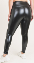 Load image into Gallery viewer, Glossy Liquid Highwaist Leggings