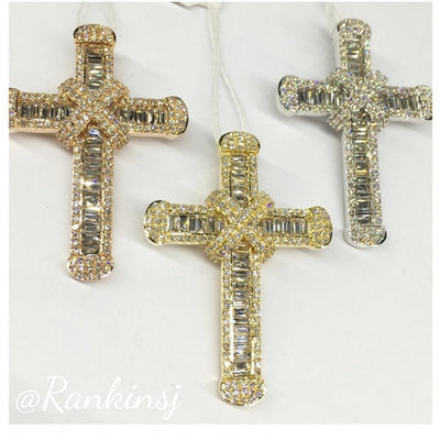Luxury Exquisite Cross Pendant