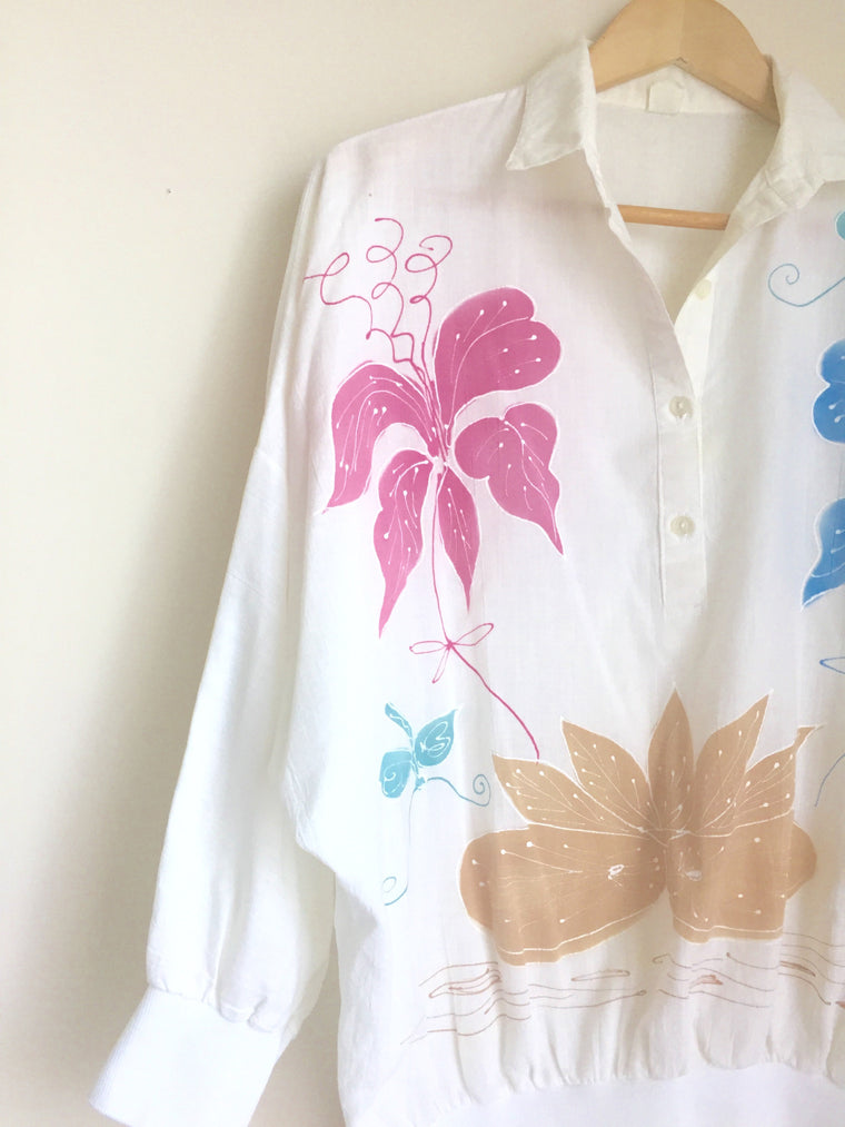 Vintage Hand painted bell sleeve collared blouse