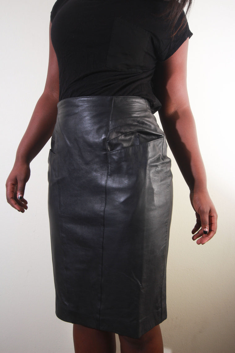 Vintage LSS high-waisted black  leather skirt