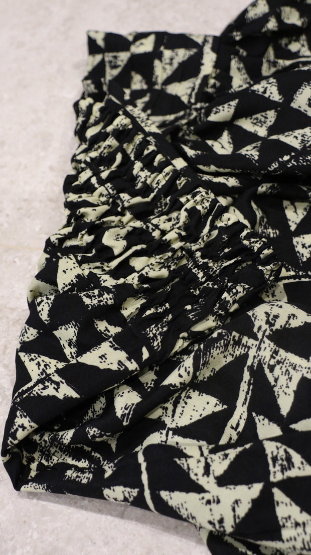 HAREM PANTS WITH BLACK TRIANGLES - Ninousha Fashion