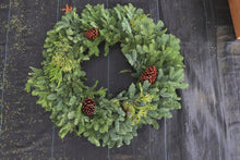 Load image into Gallery viewer, Noble Fir Mixed Wreath 24""