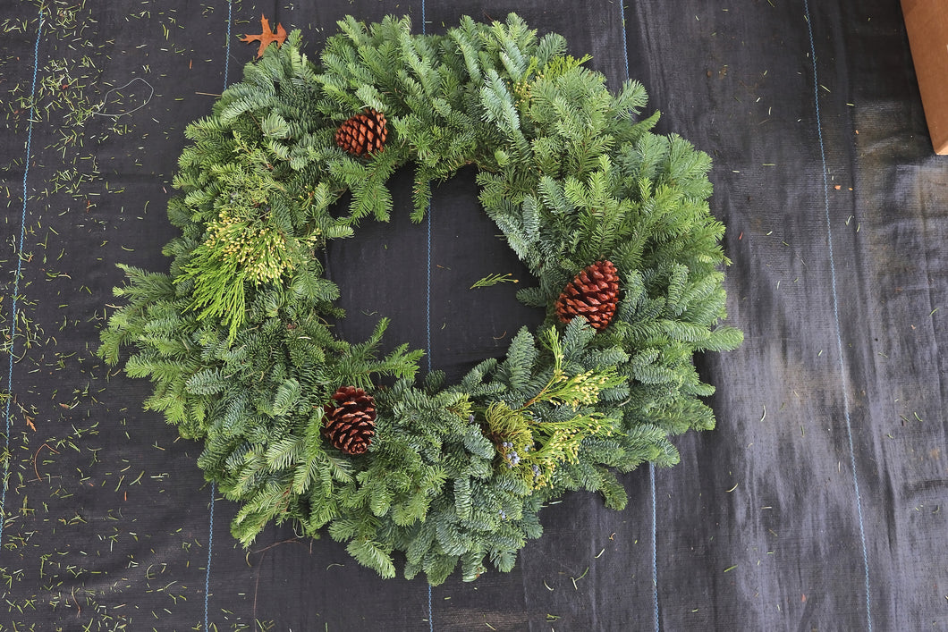 Noble Fir Mixed Wreath 24