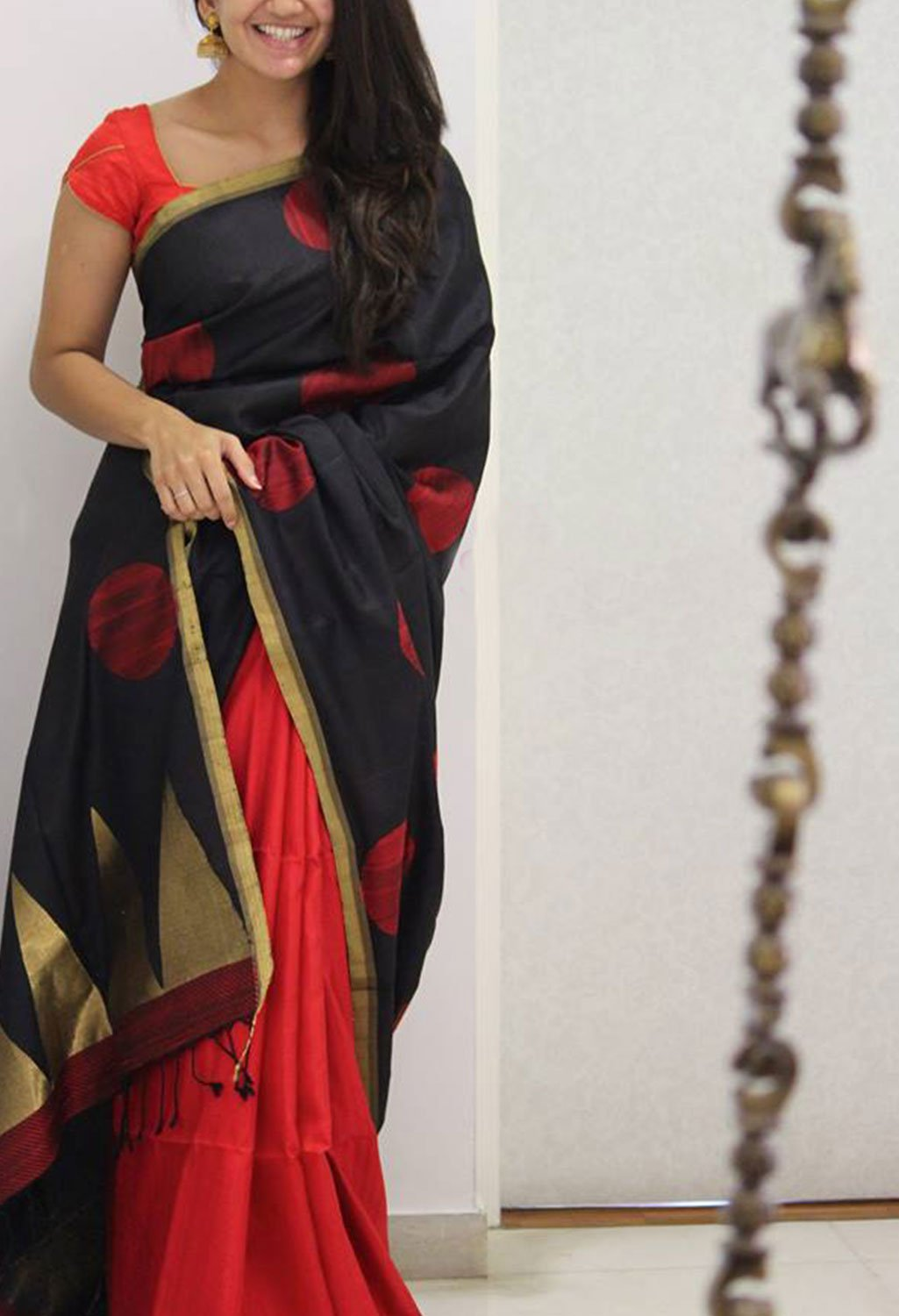 BEAUTIFUL BLACK AND RED COLOR SOFT SILK SAREE - SC1087