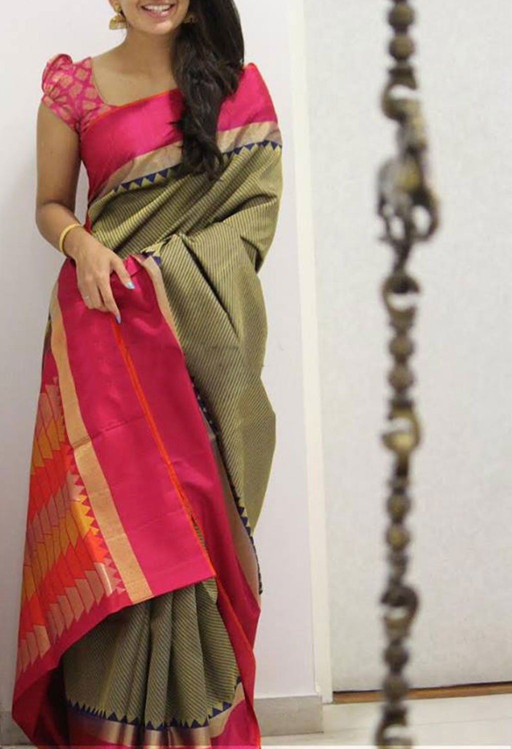 SIZZLING MULTI COLOR SOFT SILK SAREE - SC1109