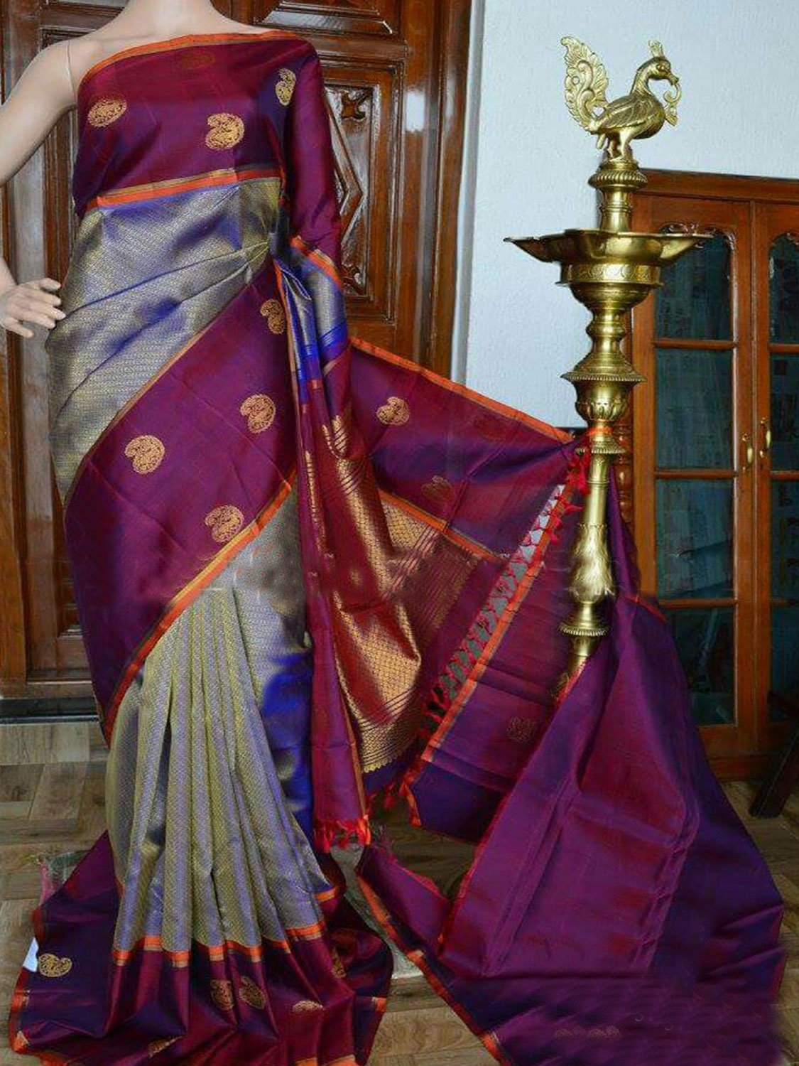 FLAWLESS GREY COLOR SOFT SILK DESIGNER SAREES - SC946