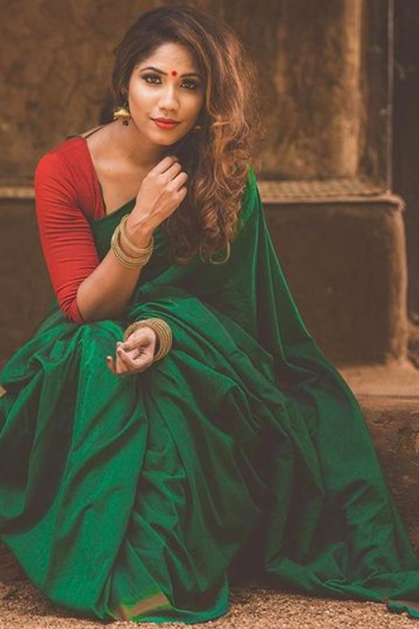 LOOK GORGEOUS IN GREEN WITH THIS SOFT SILK SAREE - SC392
