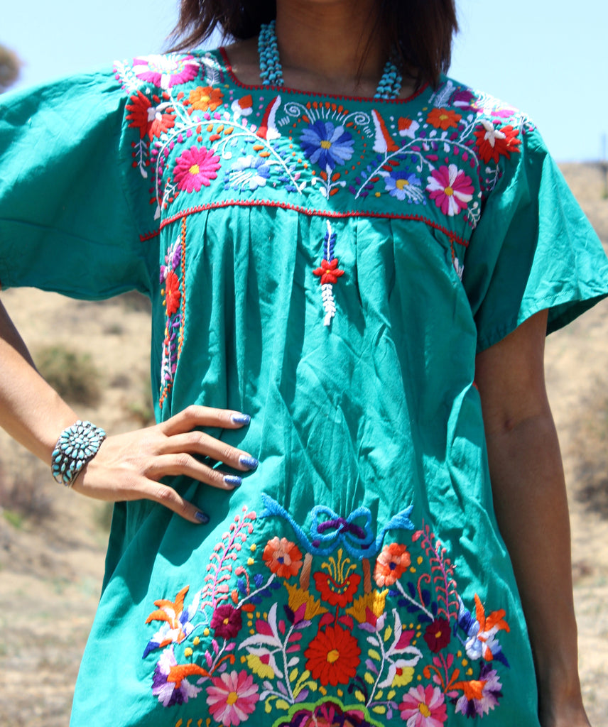*SALE* Vintage Hand Embroidered Mexican Dress