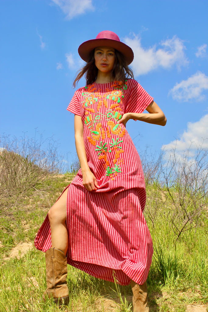"Vintage 1970s Mexican Folk Art Maxi Dress ""Telas Tlaquepaque"""