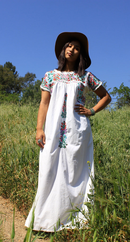Lovely Vintage Oaxacan Maxi Dress