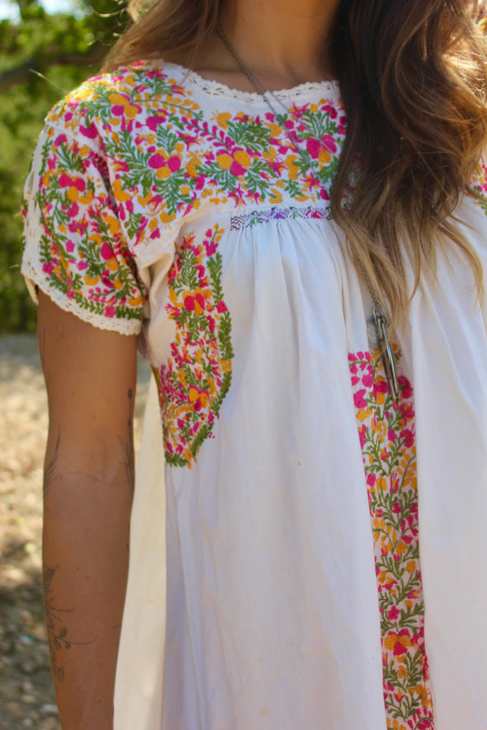 1970s Hand Embroidered Oaxacan Cotton Dress