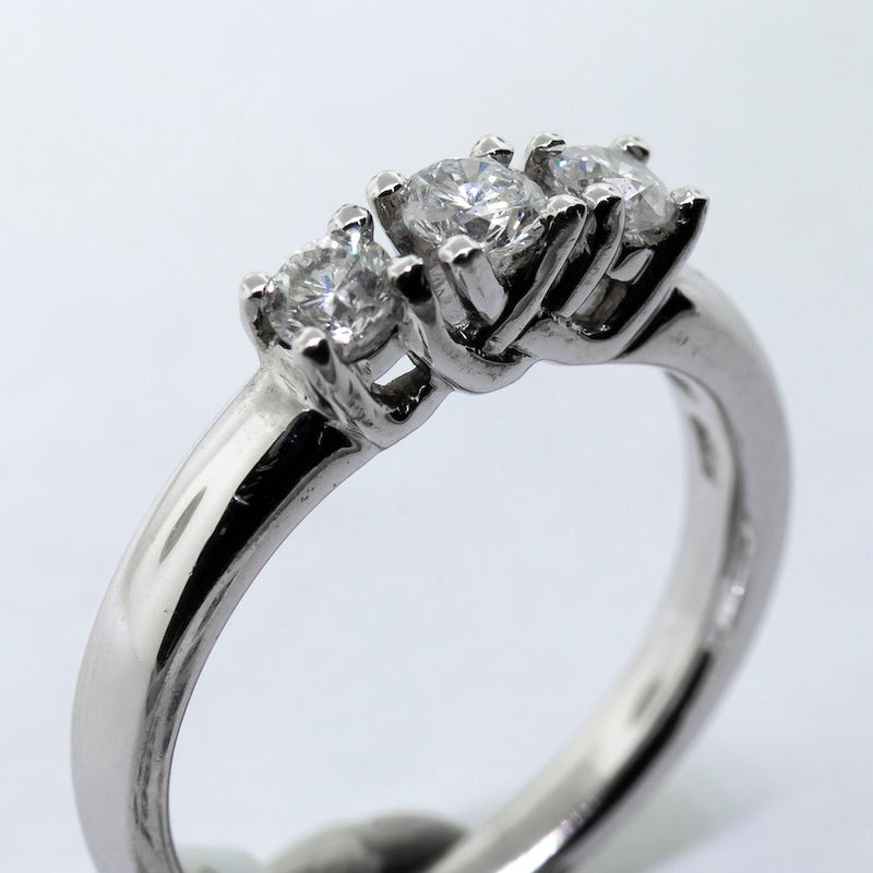 0.30ct Diamond Engagement Ring G/SI1 3 Stone Platinum Ring-Da Vinci Fine Jewelry