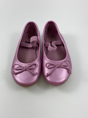 Toddler Girl's Shoes - Size 6/7