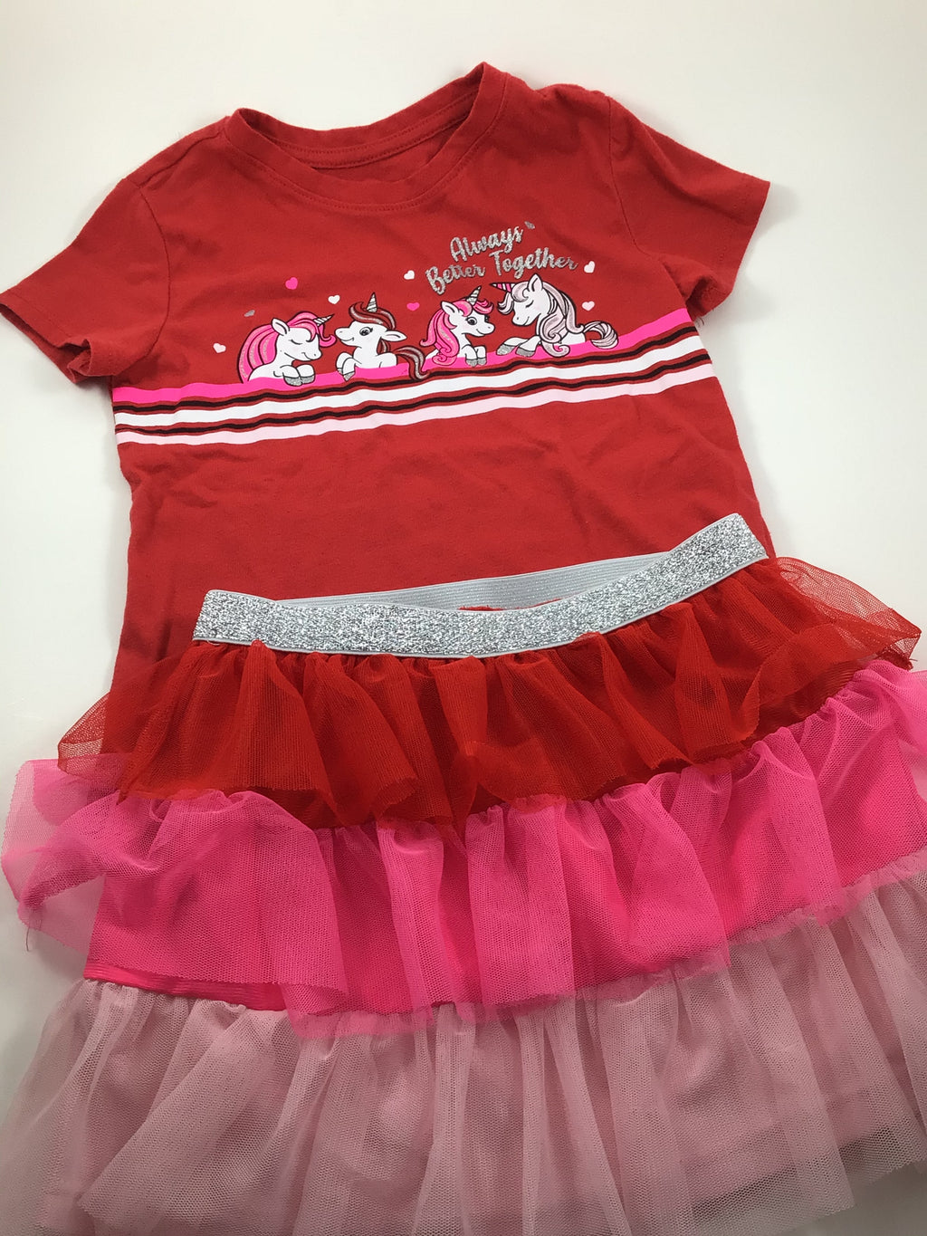 Girl's Short Sleeve Outfit - Size 5t