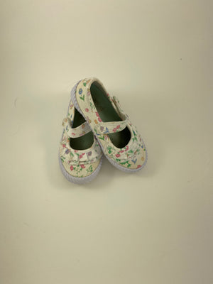 Girl's Shoes - Size 7/8