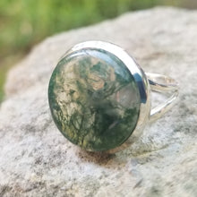 Load image into Gallery viewer, Moss agate ring (size 10)