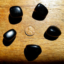 Load image into Gallery viewer, Black Obsidian (tumbled)