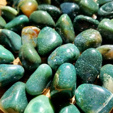 Load image into Gallery viewer, Green jasper (tumbled)
