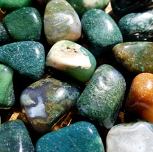 Load image into Gallery viewer, Moss agate (tumbled)
