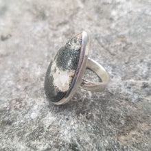 Load image into Gallery viewer, Pyrite & quartz ring (size 7)