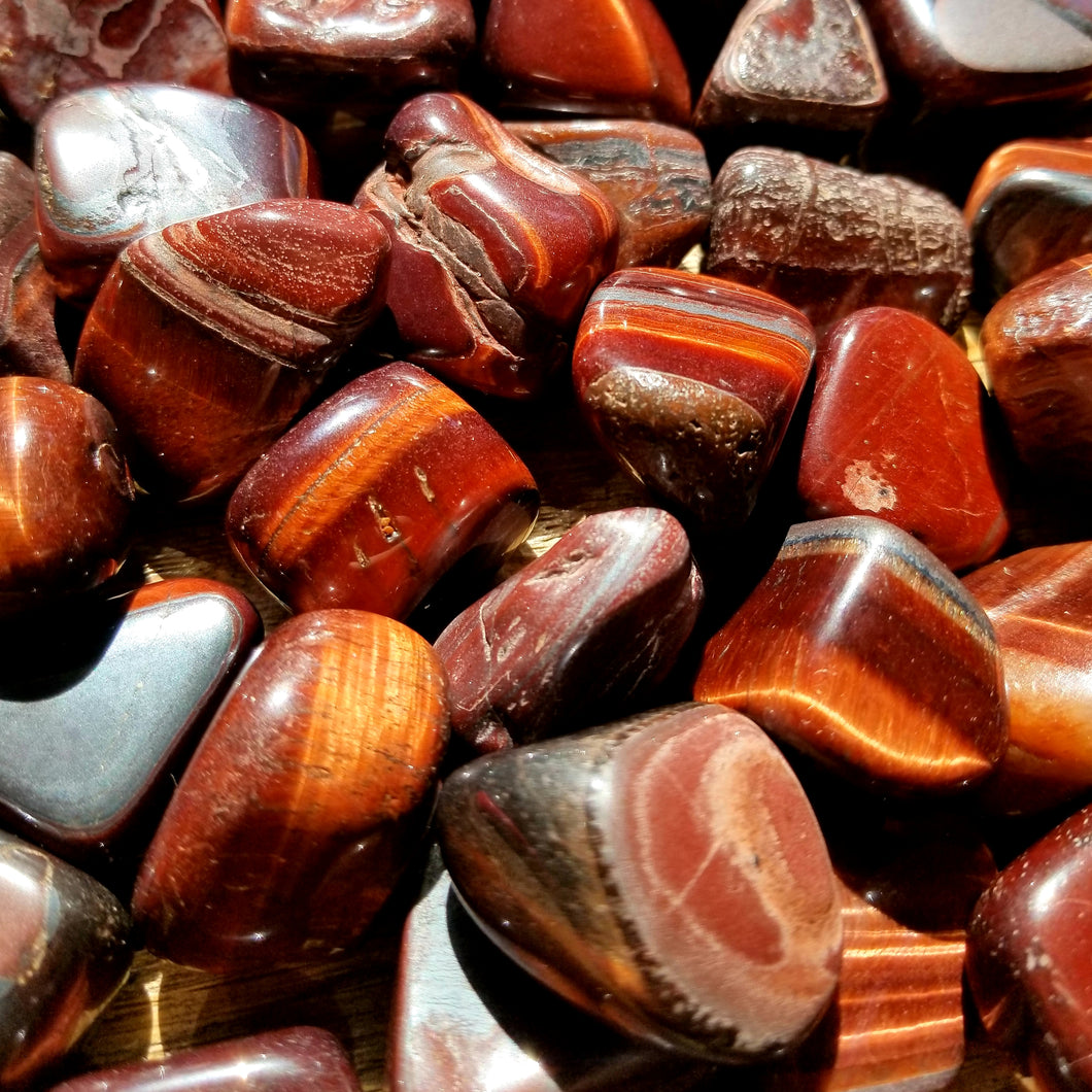 Red tiger's eye (tumbled)