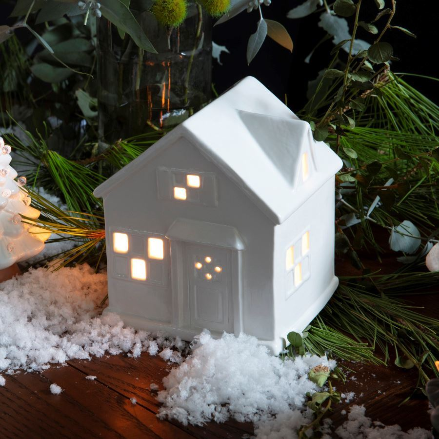 Light-Up Cottage with Lights