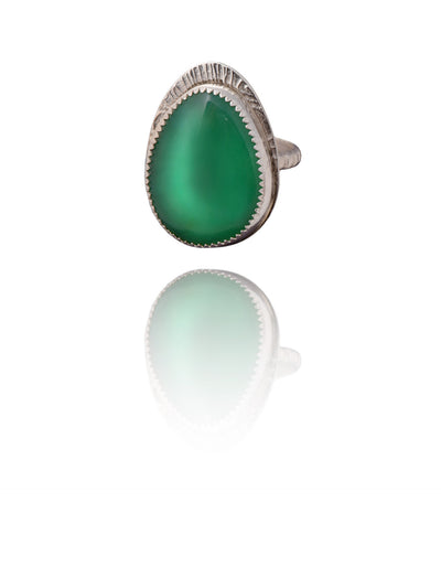 Green cabochon ring