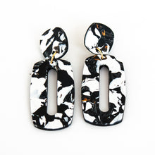 Load image into Gallery viewer, Ava Black Hanover Earrings