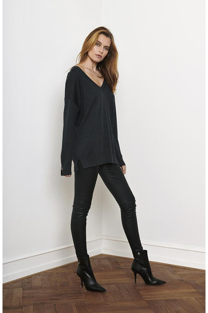 MERINO V-NECK BLACK - ROSEMUNDE COPENHAGEN - Shop the Shy Pony