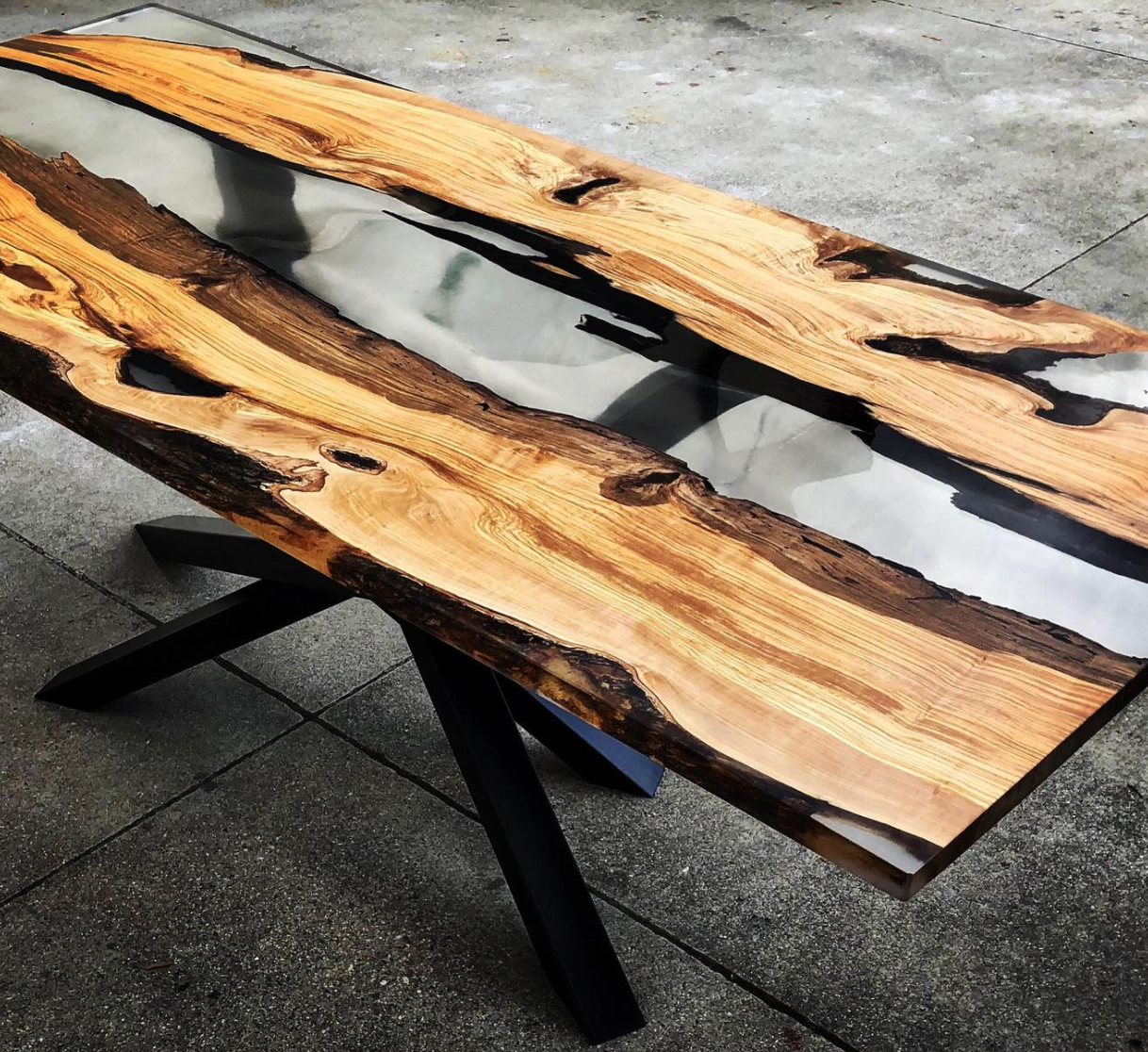 Epoxy Hard Wood Blue Lagoon Table