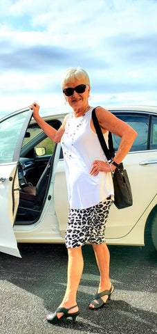 Nana in her ruched black and white leopard skirt