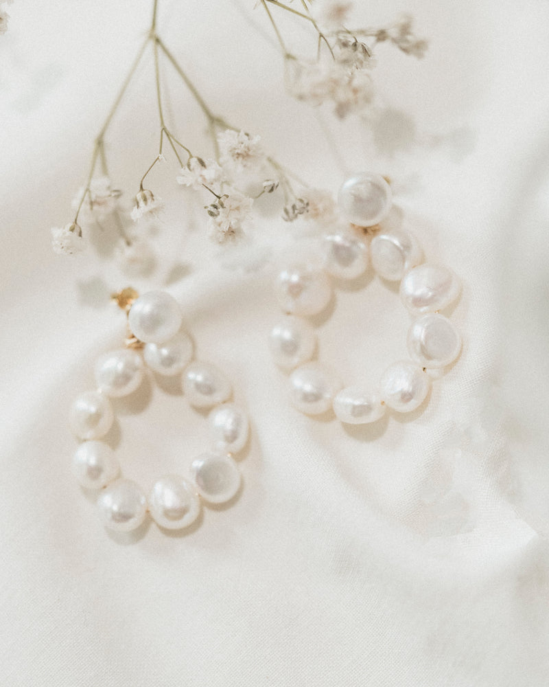 Julia Pearl Earrings