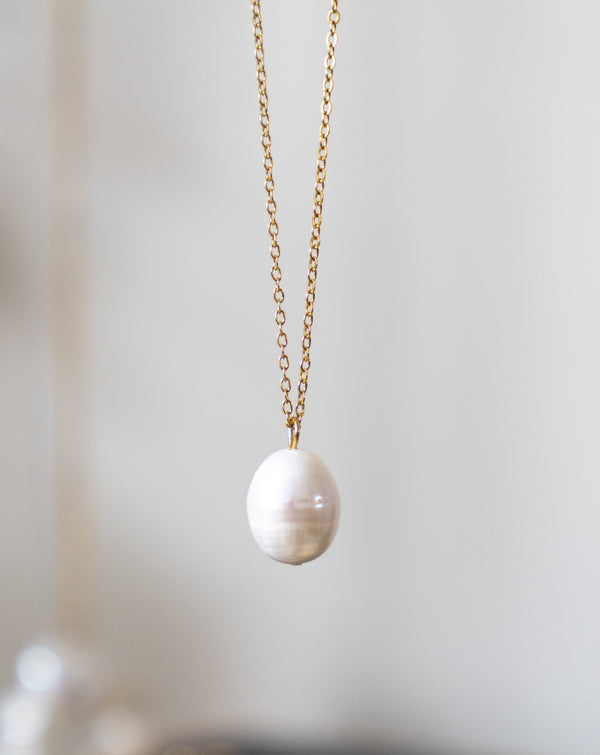 Layla Pearl Necklace