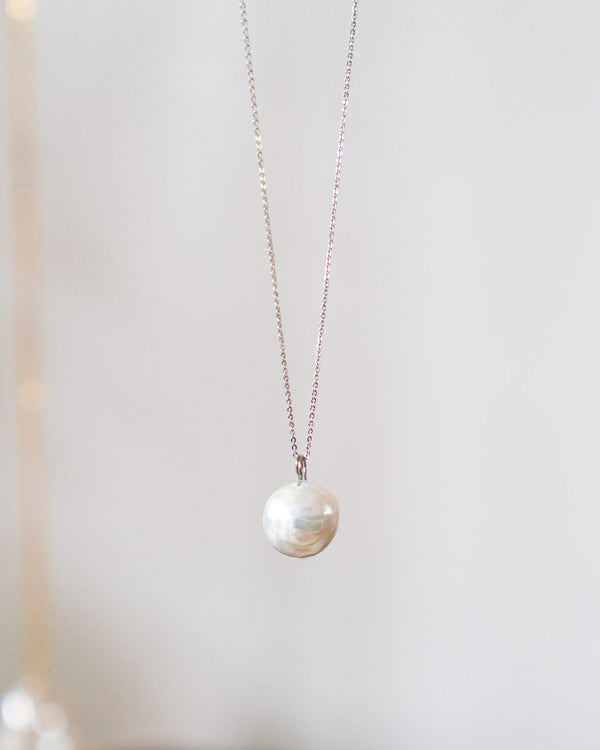 Lua Pearl Necklace