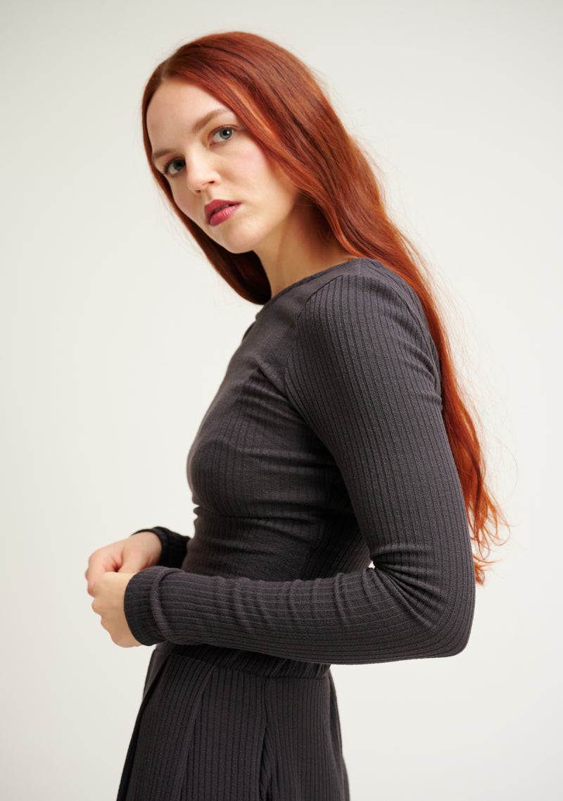 Ribbed Knit Long Sleeve Crop Top