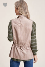 Load image into Gallery viewer, Solid Zip-Up Vest