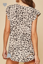 Load image into Gallery viewer, Leopard and Floral Mix Print Top